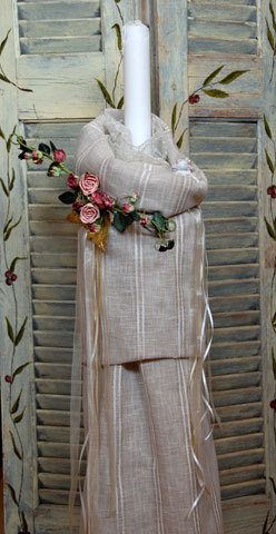 Λαμπάδα στολισμένη με σαντιγύ δαντέλα